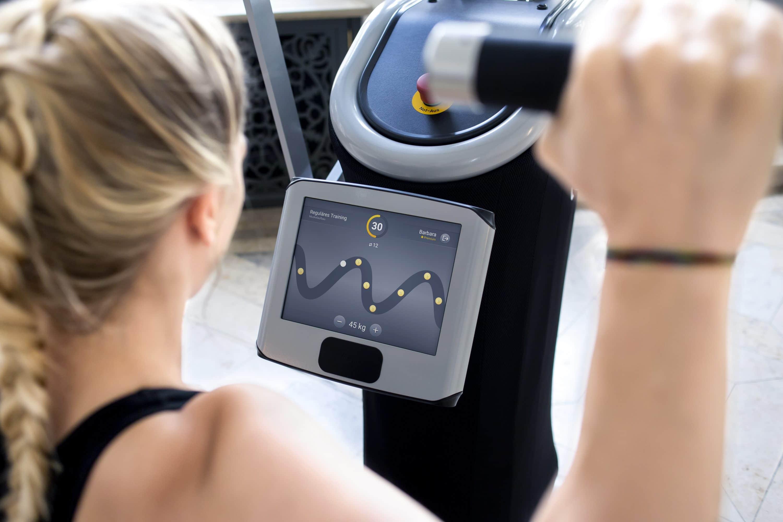 Wirkungsvolles Training dank smarter Gerätetechnolgie an den egym Geräten im intenso